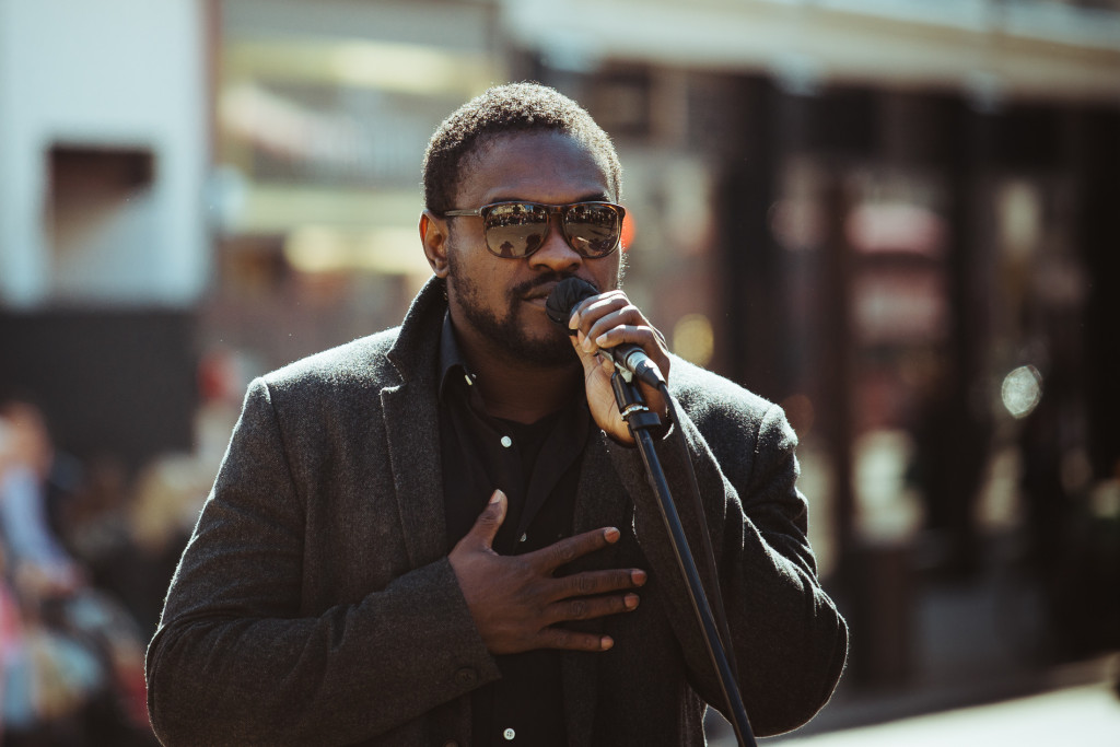 guild-photo-walk-london-singer