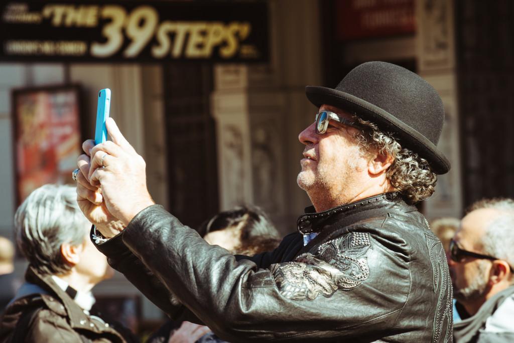 guild-photo-walk-london-iphone-user