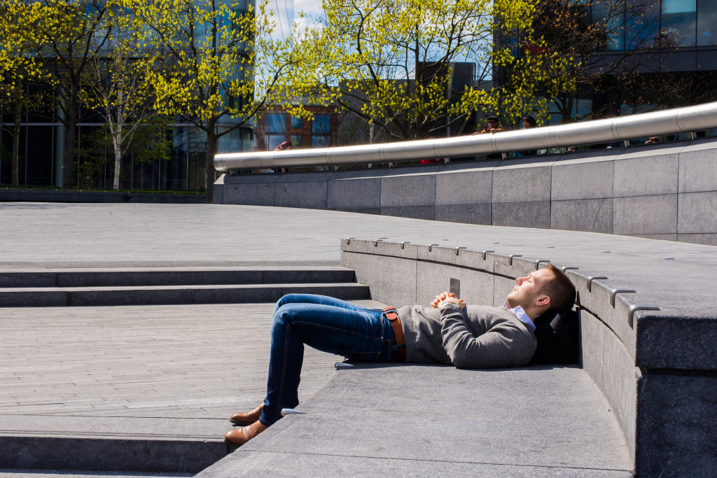 guild-photo-walk-london-man-relaxing