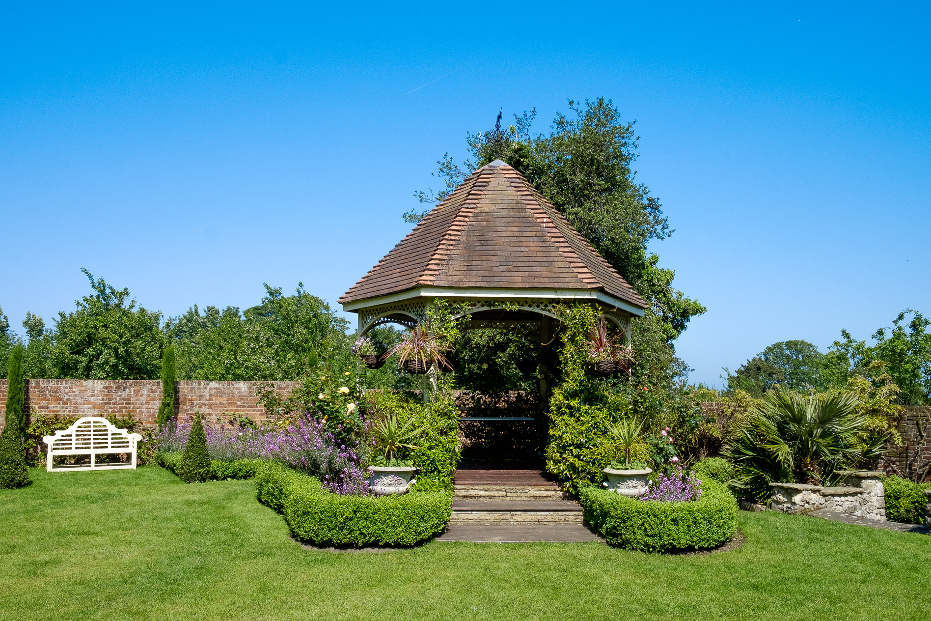 The gazebo at The Knowle Country House by Kent wedding photographers, Oakhouse Photography.