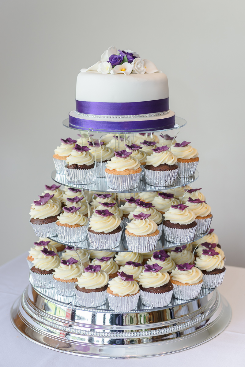 Single Wedding Cake With Cupcake Tiers | Oakhouse Photography