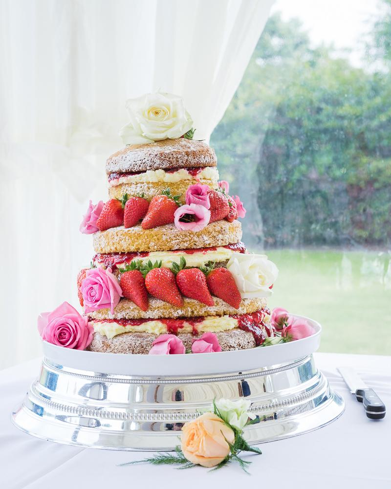 Naked Wedding Cake | Kent & London Wedding Photographers | Oakhouse Photography