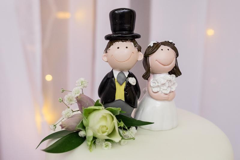 Wedding Cake Topper of Bride & Groom | Oakhouse Photography
