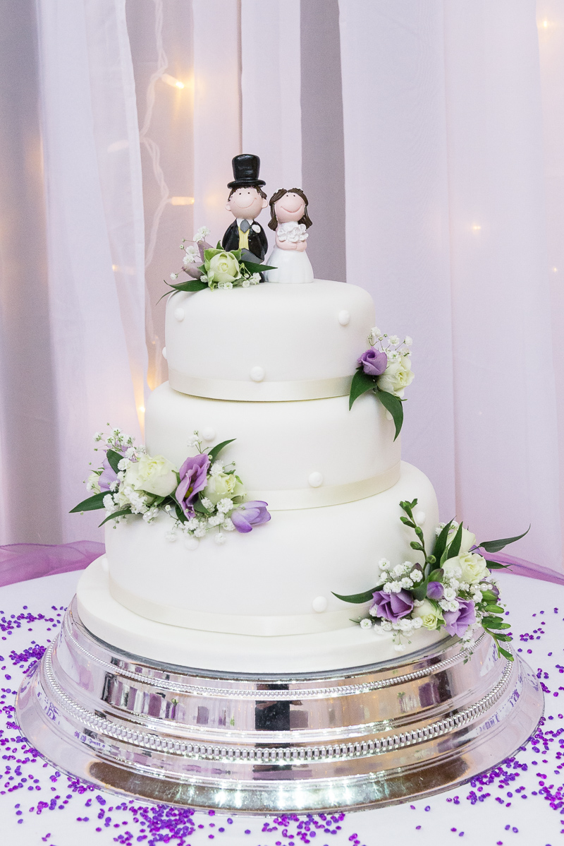 Tradition Iced Tiered Wedding Cake | Oakhouse Photography