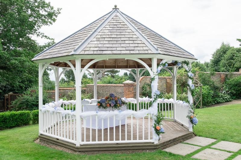 Outdoor Kent Wedding Photographer | Oakhouse Photography