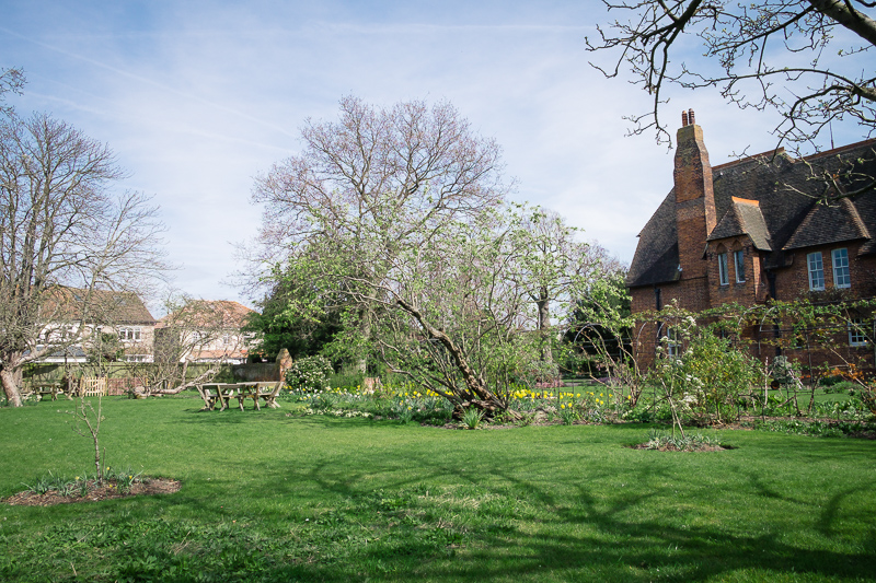 Rear gardens at The Red House Bexley | Oakhouse Photography