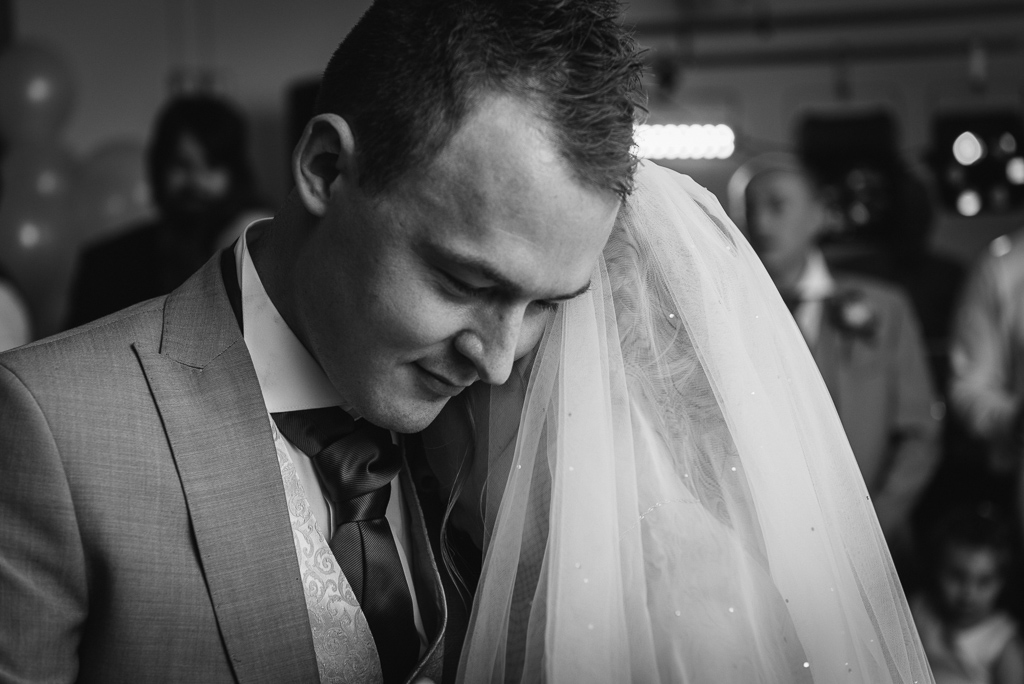 First Dance Barnehurst Golf Club | Oakhouse Photography