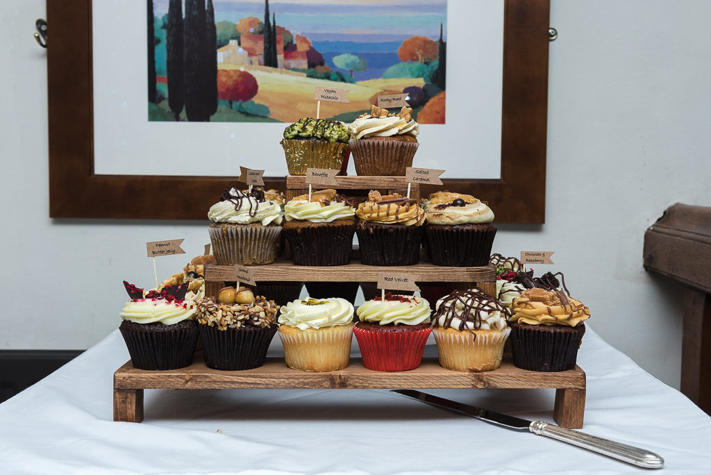 The Barn Restaurant in Tunbridge Wells |Wedding Photographers Oakhouse Photography | Wedding Cupcakes