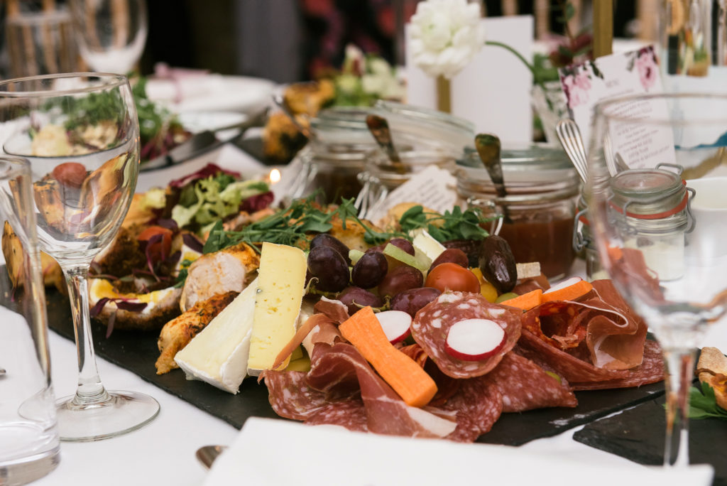 Long Furlong Barn | Wedding | Oakhouse Photography | Feasting Table